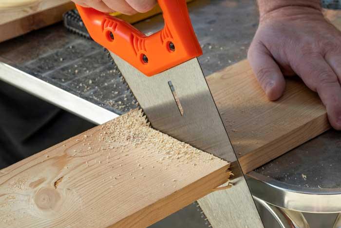 Basic Saw for cutting wood