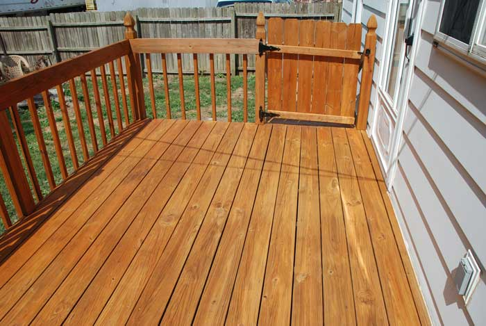How to Apply an Exterior Stain