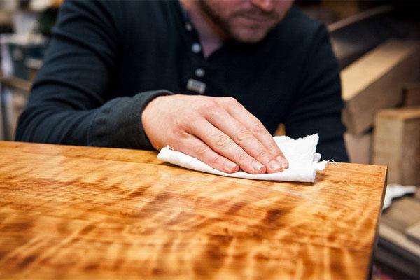 How to Use Wood Wax